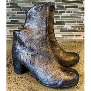 PAPUCEI Boots Metallic Crackled Leather